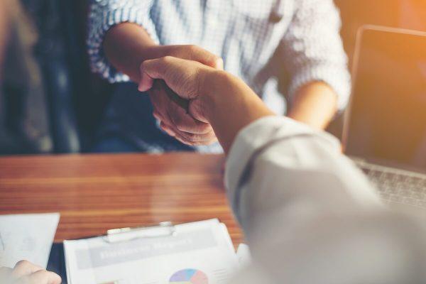 5 Tips om expats aan je bedrijf te binden