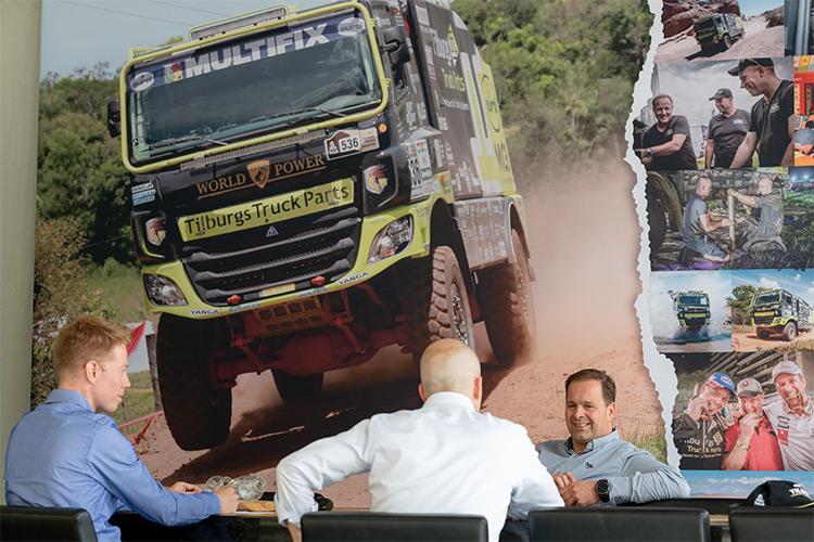 Frank's truck in actie. Is overigens begrensd op 'maar' 140km/u.