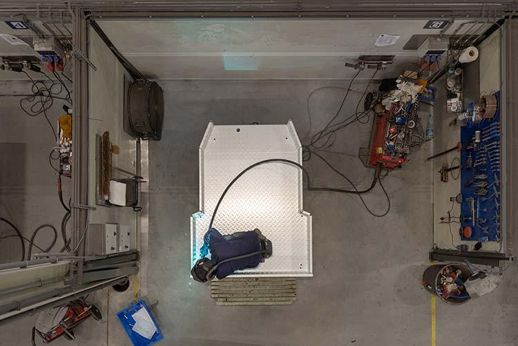 Tilbox levert allerlei soorten opbergsystemen voor vrachtwagens.